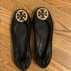 Black Tory Burch Flats w/ Gold Emblem Size 9.5